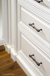 White Drawers Custom Cabinetry Alpha Closets Company Inc, 6084 Gulf Breeze Pkwy, Gulf Breeze, Fl 32563 (850) 934 9130