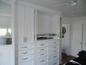 Custom White Cabinets For Bedroom Custom Cabinetry Alpha Closets Company Inc, 6084 Gulf Breeze Pkwy, Gulf Breeze, Fl 32563 (850) 934 9130